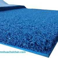 Thảm nhựa rối màu xanh blue.