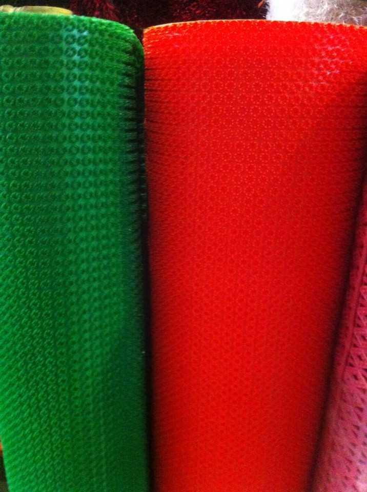 Màu sắc thảm nhựa gai cúc