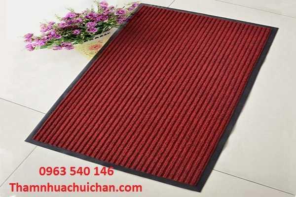 Thảm lau chân màu đỏ