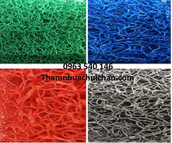 4 màu sắc thảm nhựa rối.
