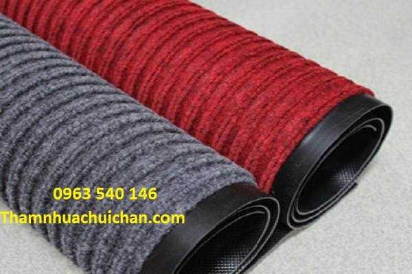 Thảm chùi chân len dạng cuộn kích thước : 1,2m x 15m, 1,6m x 15m, 1,8m x 15m, và có kích thước tấm định sẵn.