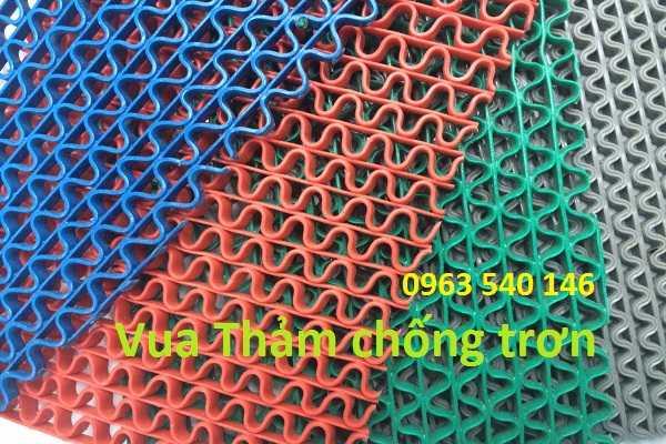 Màu sắc thảm trải bể bơi, kích thước 0,9m x 15m và 1,2m x 15m. có thể cắt tùy ý theo kích thước.