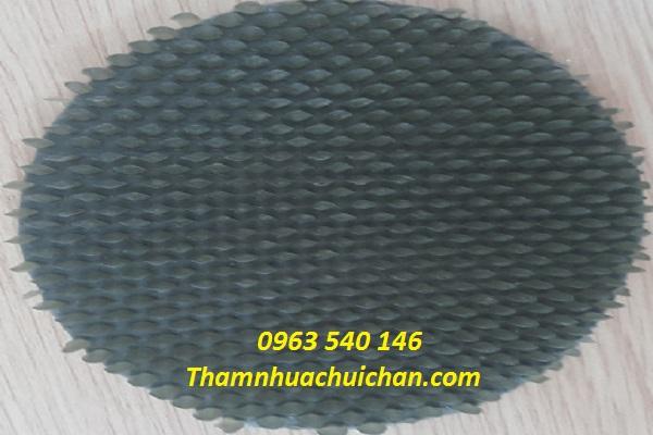 Thảm nhựa gai sầu riêng màu ghi xám mềm mại và mới lạ.