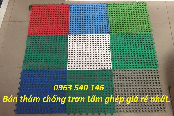 màu sắc tấm thảm ghép lỗ tròn chống trơn.