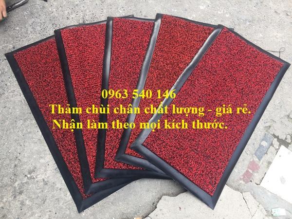 Thảm nhựa rối chùi chân kết hợp với bo viền cao su xung quanh giúp cho tấm thảm bền đẹp, sang trọng.