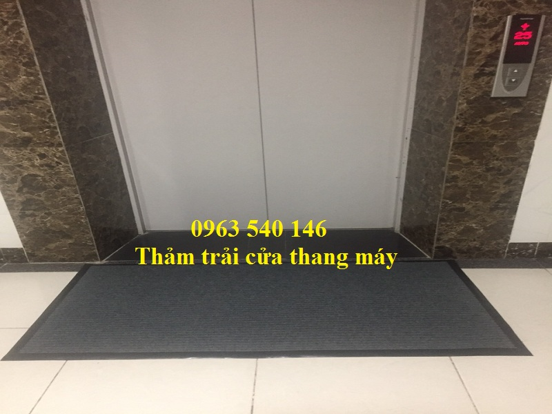 Thảm lau chùi chân cầu thang máy làm theo kích thước yêu cầu của quý khách.