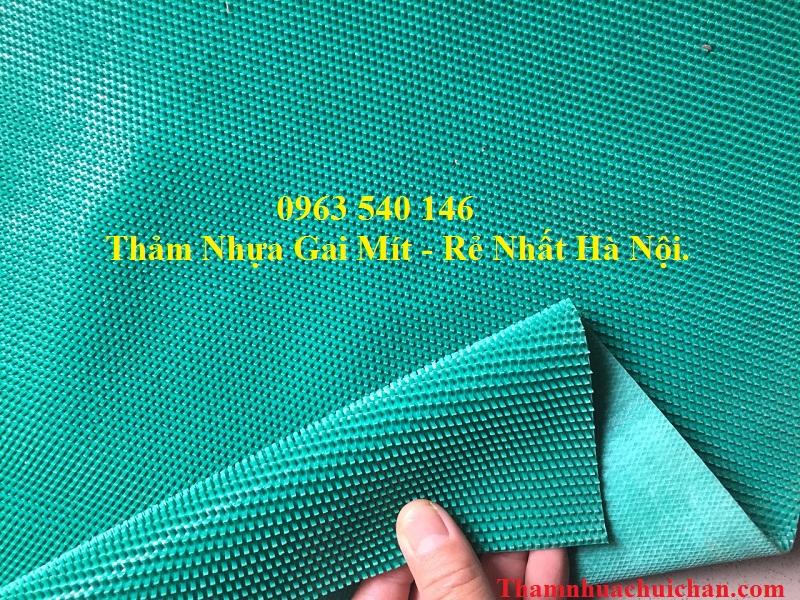 Thảm nhựa gai mít màu xanh, chất lượng rất bền, màu sắc hài hòa, thiết kế sang trọng