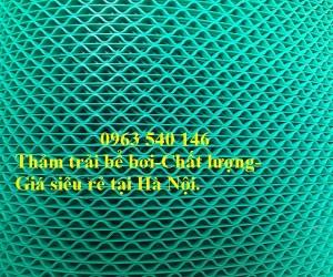 Thảm trải bể bơi nhựa lưới màu xanh.