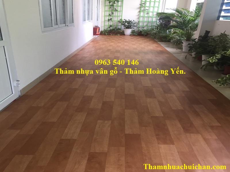 Thảm nhựa trải sàn vân gỗ, chất lượng, giá rẻ, siêu bền được bán tại thảm Hoàng Yến.